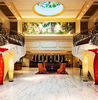 싱가포르 4성급 로얄 플라자 온 스콧 호텔 (Royal Plaza on Scotts)